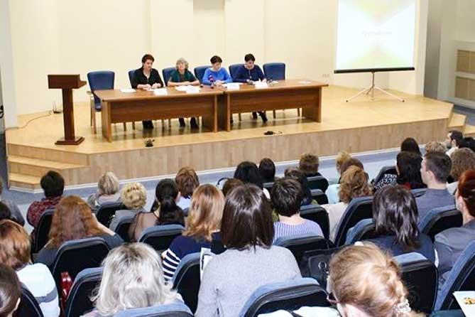 В Тольятти прошел круглый стол по вопросу увеличения платы в детсадах: Дополнительно платить на хознужды строго запрещается