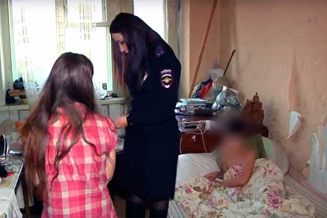 Лишение родительских прав в Тольятти: В квартире застали агрессивных и пьяных четырех мужчин и трех женщин