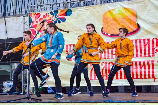 В Тольятти Широкая Масленица 2019 объединила весь город
