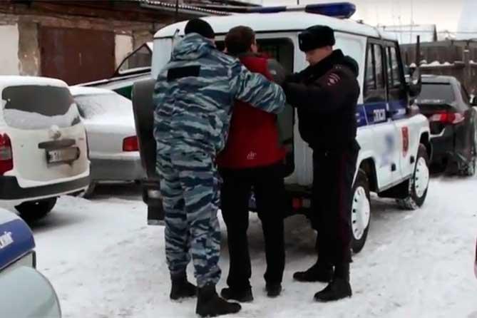 В Тольятти за одну ночь он со своими приятелями совершил два грабежа