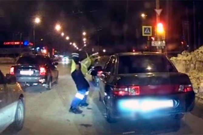 В Тольятти во время погони задержали 24-летнего водителя на Степана Разина