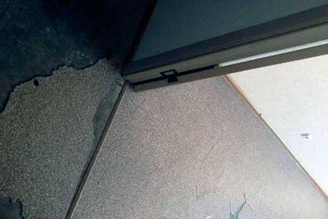В Тольятти выделили квартиры детям-сиротам: Сломали домофон, все двери, отопительные приборы, побили стекла