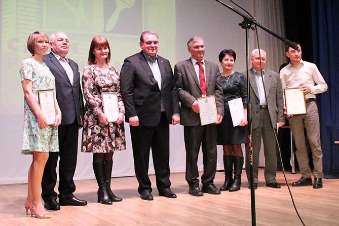 Сергей Анташев поздравил работников сферы ЖКХ с профессиональным праздником