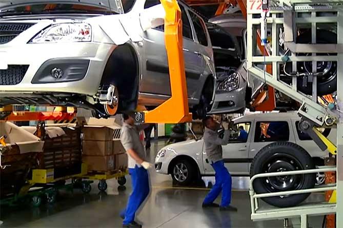 Начались продажи двухтопливной модели АВТОВАЗа Lada Largus CNG