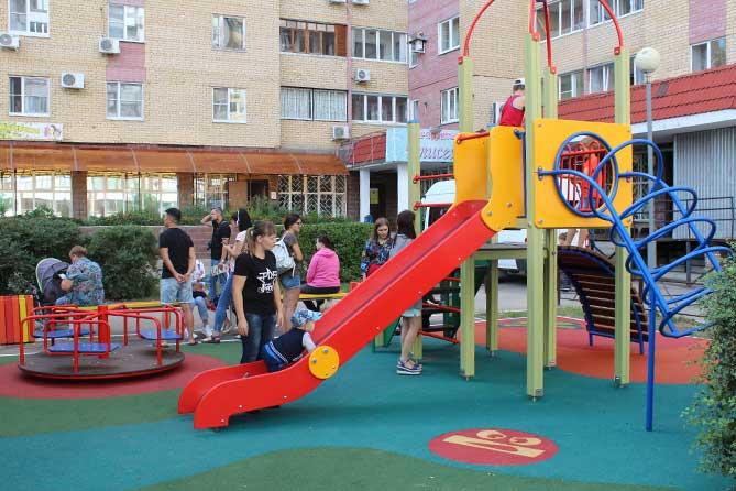 Губернаторский проект «СОдействие»: В 2019 году в Тольятти оборудуют детские площадки и парковки
