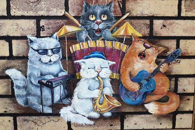 В тольяттинской галерее «Счастье» работает самая теплая выставка весны — «Мартовские кошки»