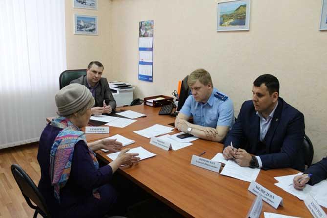 Состояние воздуха, отлов бродячих животных, вывоз мусора: В Тольятти прошел прием граждан по вопросам охраны окружающей среды