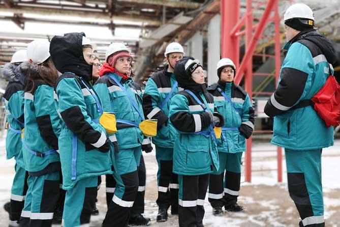 Студенты тольяттинского химико-технологического техникума стали первыми участниками дуального обучения на «СИБУР Тольятти»