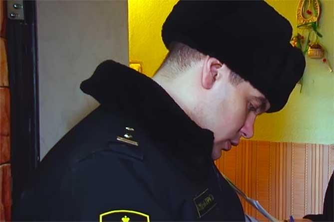 Житель Тольятти не платил алименты своей дочери: Был наложен арест на квартиру