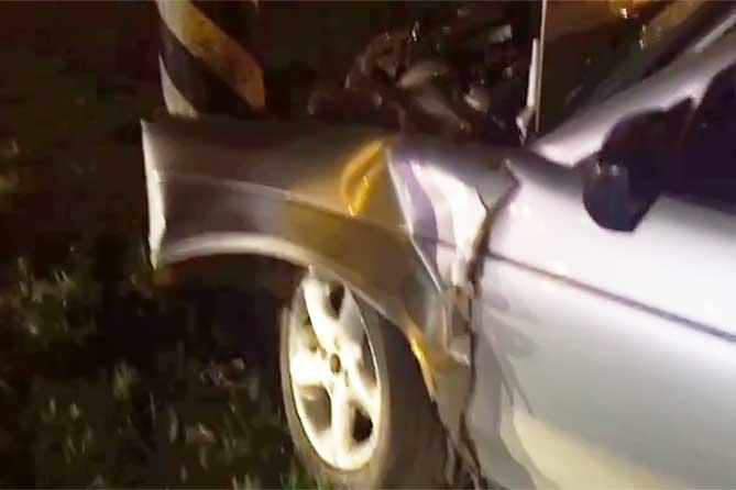 В Тольятти 14 апреля 2019 года при столкновении со световой опорой водитель получил серьезные травмы