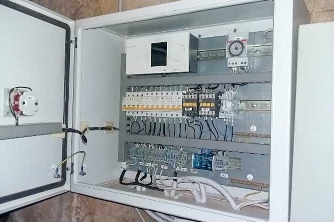В Тольятти проверили качество капремонта, проведенного в доме в 2018 году