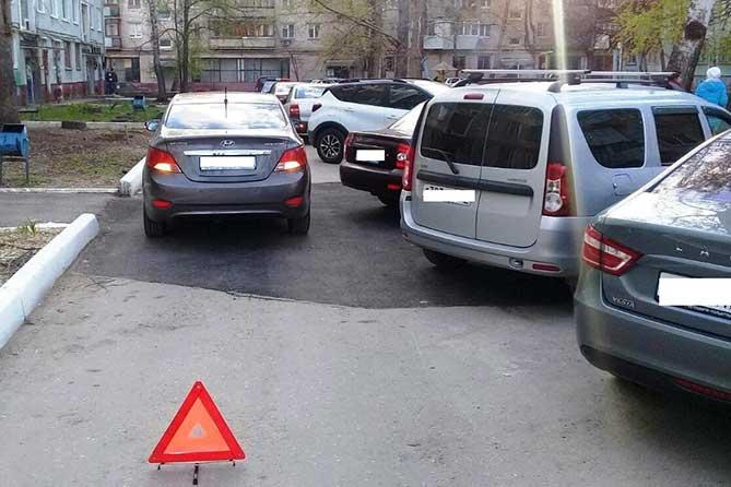 В жилых зонах Тольятти пострадали 6-летняя девочка и 5-летний мальчик