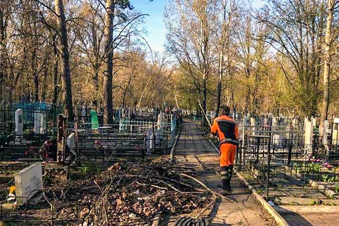Территория городского кладбища на Обводном шоссе Тольятти будет поделена на пять участков