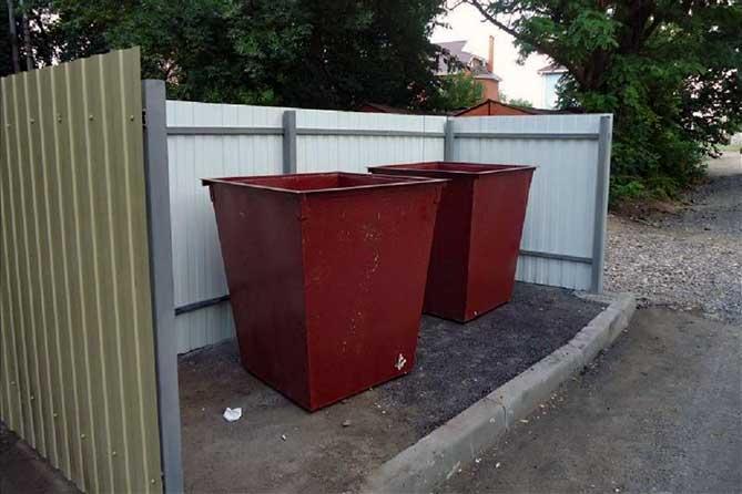 «Куда они этот мусор девают? Либо подсели на контейнеры населения, либо создают незаконные свалки»