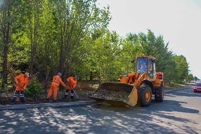 В рамках содержания автодорог устраняются недостатки, выявленные на дорогах