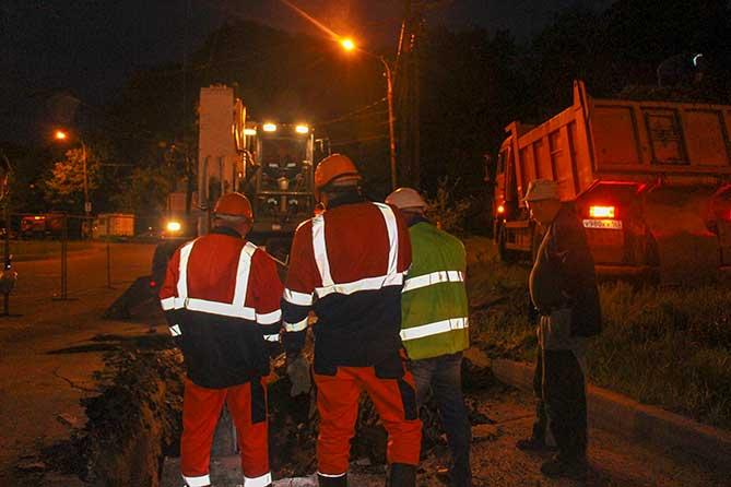 В Тольятти на улице Баныкина ночью устранен порыв водопровода