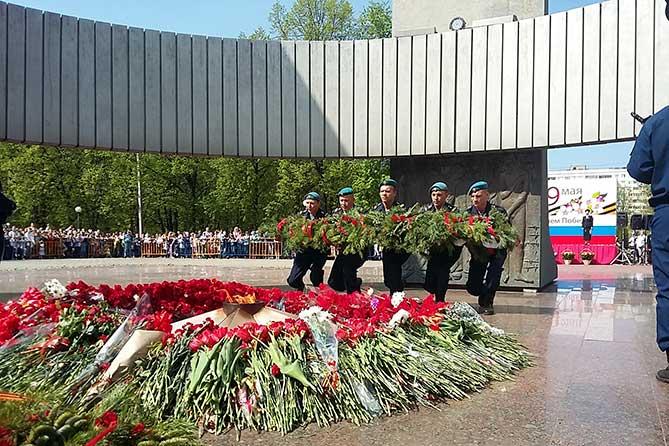 В парке Победы Тольятти 9 мая 2019 года собрались тысячи горожан: Моя Весна, Моя Победа!