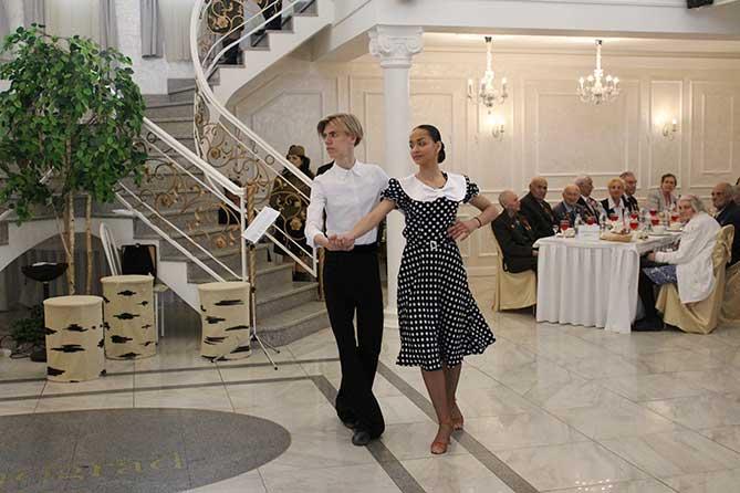 В преддверии Дня Победы глава Тольятти Сергей Анташев встретился с ветеранами Великой Отечественной Войны