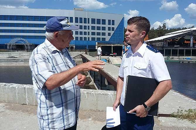 помощник Самарского межрайонного природоохранного прокурора на выездной проверке 31-05-2019