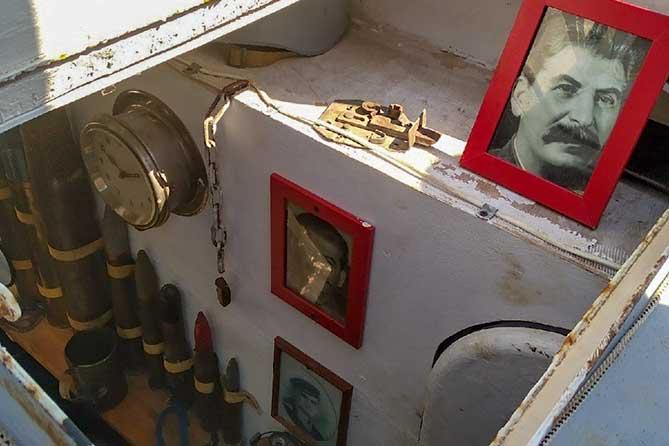 Тольяттинцы получили уникальную возможность познакомиться с точной копией военного бронекатера БК-73