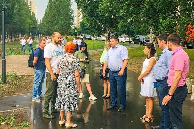 Бульвар Гая в Тольятти: Пропадающие лавки и другие проблемы
