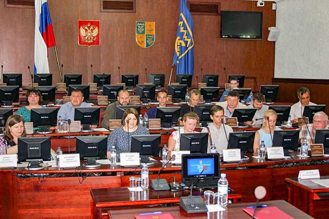 Депутаты Тольятти и Сызрани обменялись опытом работы в местных думах