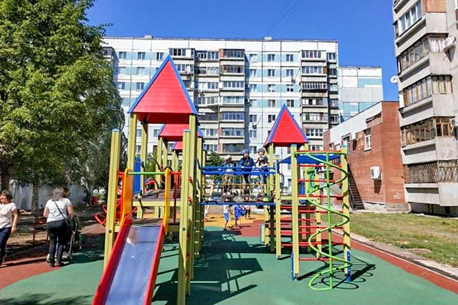 В Тольятти 7 июня 2019 года открыли новые спортивную и детскую площадки