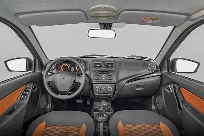 Автомобиль LADA Granta Cross обладающий улучшенными характеристиками проходимости