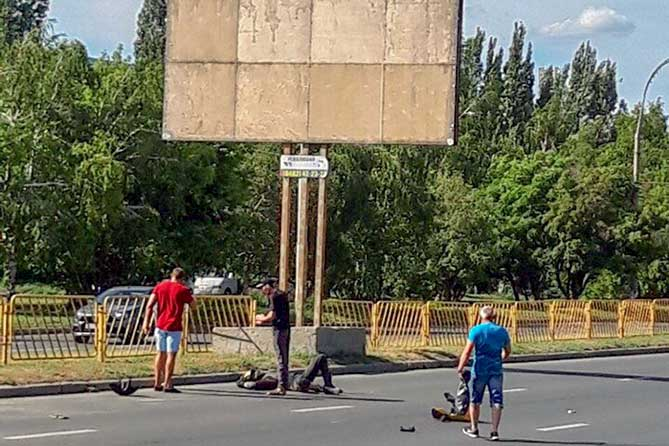 В Тольятти на проспекте Степана Разина 29 июня 2019 года мотоциклист сбил насмерть мужчину