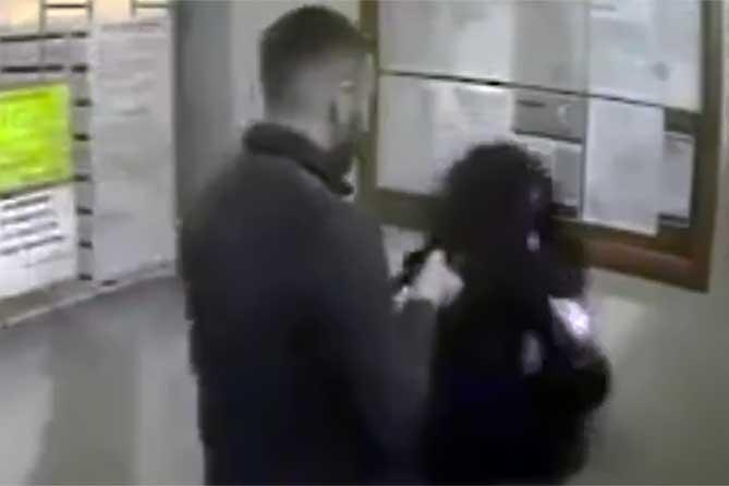 В Тольятти в подъезде на её несовершеннолетнюю дочь напал молодой человек