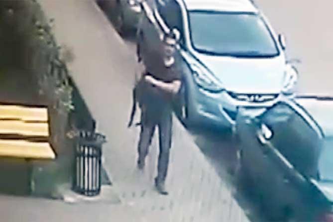 В Тольятти разыскивают молодого человека: Открыто похитил деньги на Льва Яшина