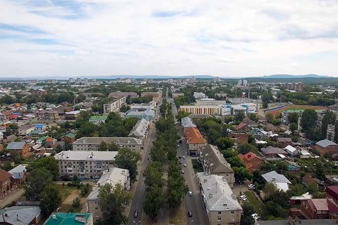Мы же прекрасно видим, что молодежь убегает из Тольятти, рабочих мест нет, а общий настрой горожан достаточно скептический