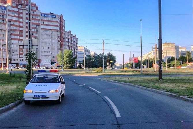 В Тольятти на улице Автостроителей водитель автомобиля сбил 15-летнюю девочку и скрылся с места происшествия
