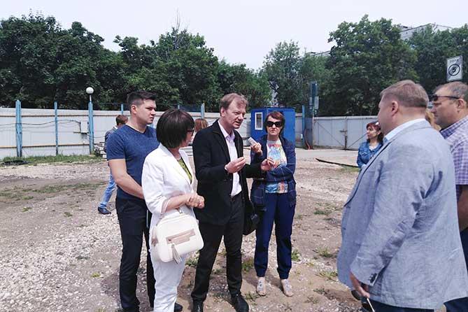 В Тольятти проверили ход строительства физкультурно-спортивного комплекса на бульваре Кулибина