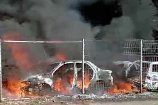 В Тольятти горела автостоянка на улице Дзержинского 3 июля 2019 года