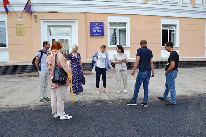 В Тольятти общественный контроль вынес замечания по ремонту дорог на улице Ленинградской и проезде у здания Думы