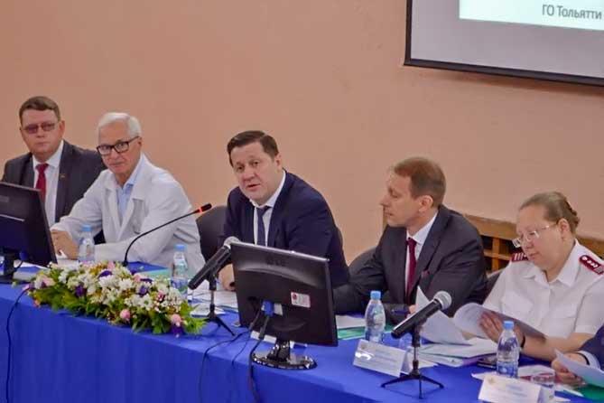 На коллегии Минздрава Самарской области большое внимание было уделено роли медицинских кадров в Тольятти