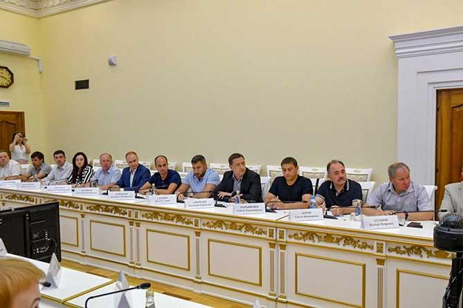 Губернатор встретился с руководителями пивоваренных компаний 11 июля 2019 года