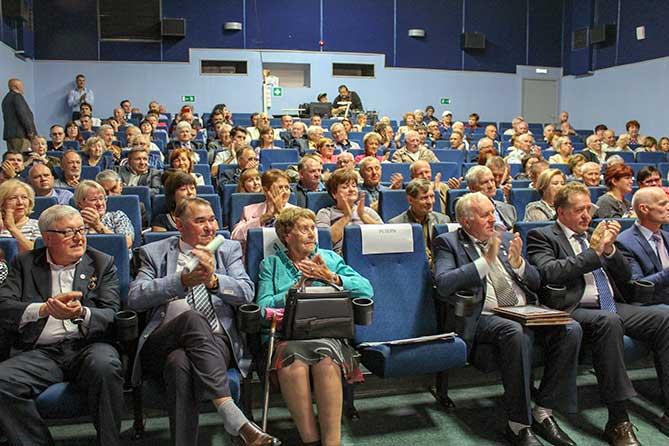 В преддверии Дня строителя в Тольятти отметили достойных представителей отрасли и наградили победителей конкурса на лучший построенный объект