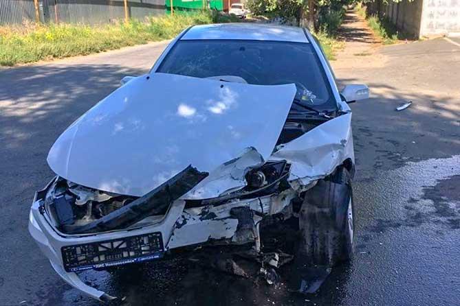 В ДТП на улице Первомайской в Тольятти пострадал водитель автомобиля