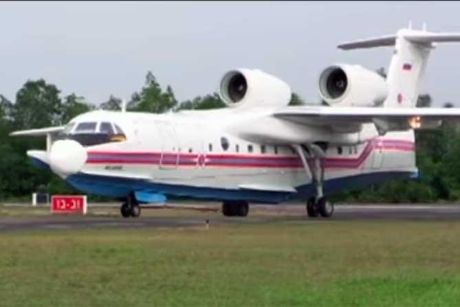 Четыре человека из списка отравленных на самолете МЧС доставлены в Москву