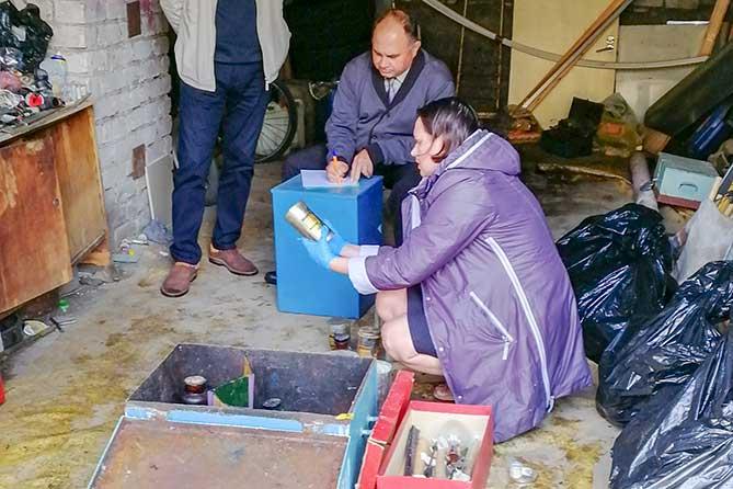 Жители Тольятти обнаружили ящик с химическими реактивами