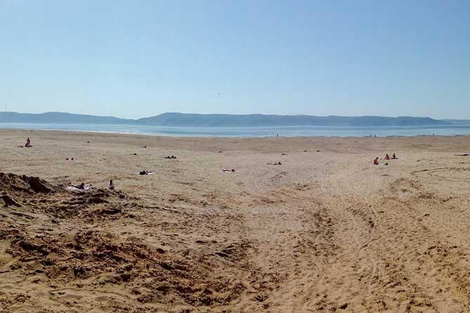 вода далеко ушла на Итальянском пляже