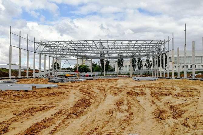 Строительство легкоатлетического манежа в Тольятти ведется ежедневно, без выходных