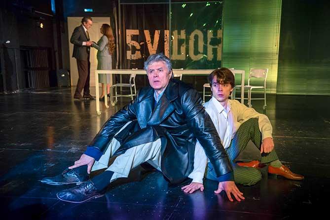 В театре «Колесо» состоялась премьера спектакля «Да здравствует Бушон!»