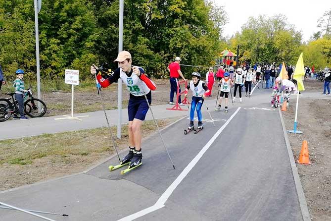 В Тольятти открыли новую велодорожку с детской площадкой, зонами отдыха и скамейками