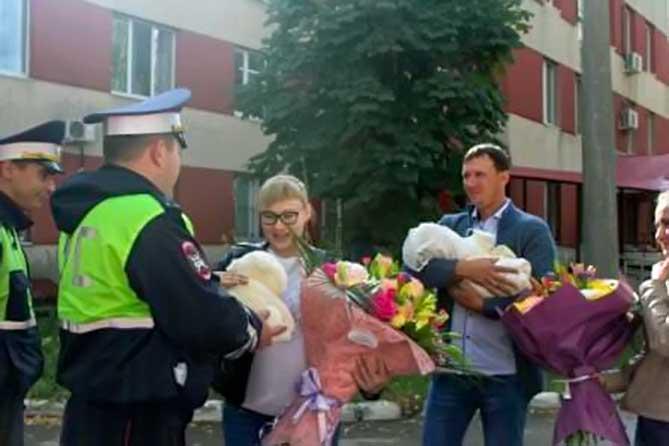 Женщина своем сообщении в соцсети поблагодарила сотрудников полиции за неравнодушие и участие, проявленное к ее семье