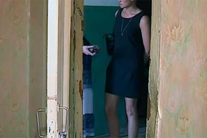 Женщине пришлось пустить в квартиру бывшего мужа
