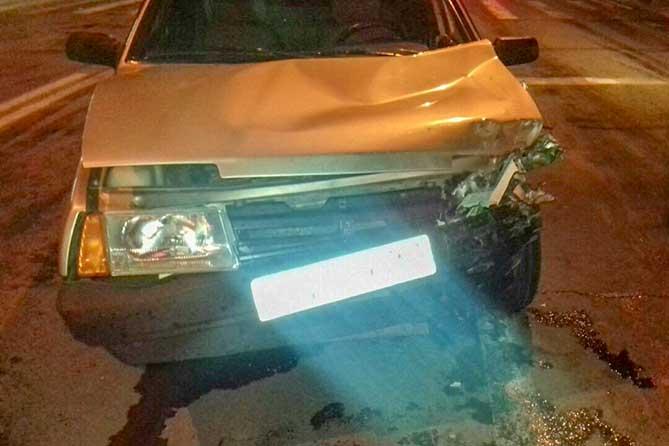 На Приморском бульваре водитель автомобиля выехал на красный сигнал светофора и устроил ДТП
