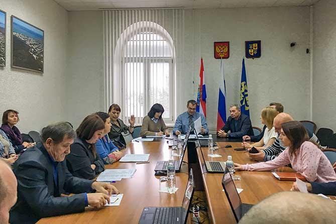 Контраст с официальными данными: Средняя зарплата вакансий в Тольятти составляет 21,5 тысячи рублей